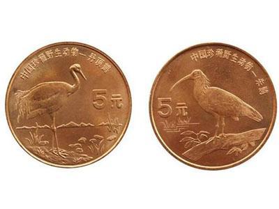 朱鹮—丹頂鶴珍稀動物紀念幣尺寸