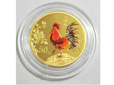 05年錯版彩金雞紀念幣設計藝術賞析
